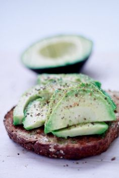 Brød + Avokado = sant | Sunn Holdning Avocado Toast, Breakfast, Morning Coffee
