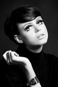 twiggy, 60's make up, fashion, fashion blogger, edie sedgwick, mac, retro make up , eyelashez, The Stunning The Stunning Look: 60's Flashback