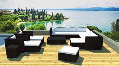 Un magnifique salon de jardin design en résine... ça donne envie d'être en été !