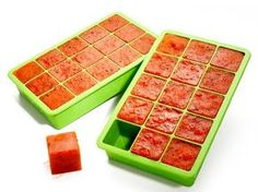 For an easy weeknight meal, save and freeze leftover sauces from previous meals in ice cube trays. The cubes can be reheated in a sauté pan when you need a quick sauce. Easy Weeknight Meals, Kitchen Hacks, Buy Kitchen, Freezer Meals, Ice Cube Trays, Food Hacks, Food Network Recipes, Love Food, Cooking Tips