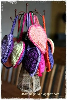 stamping rika: crochet hearts  ☀CQ #crochet #hearts #valentines #love. Thanks for sharing! ¯\_(ツ)_/¯