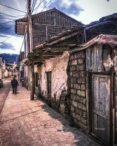 Serie #Oldhouse #Sigsig #Ecuador #AllYouNeedIsEcuador #iPhoneonly #street