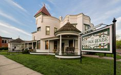 Photo by David Arbogast, Council Grove, Kansas, The Cottage House Hotel & Motel | Flickr - Photo Sharing!