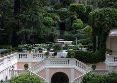 L'hôtel de Russie à Rome palace 5 étoiles hôtel avec terrasse Piazza di Spagna http://www.vogue.fr/voyages/adresses/diaporama/les-meilleurs-htels-restaurants-bars-rome/20432#un-palace-mythique-lhtel-de-russie-rome