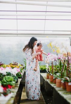 Mommy and me greenhouse pictures + Talking about 5 Reasons I Admire My Mom! #ad #mylandsend #contest #dearmom @LandsEndPR
