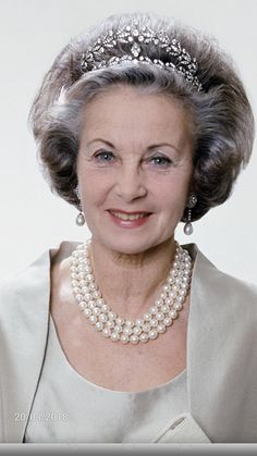 The late HRH Princess Lillian wife of HRH Prince Bertil of Sweden . Always a Lady Royal Crowns, Royal Tiaras, Tiaras And Crowns, Casa Real, Royal Families Of Europe, Queens Jewels, Swedish Royalty, Diamond Tiara, Crown Princess Victoria