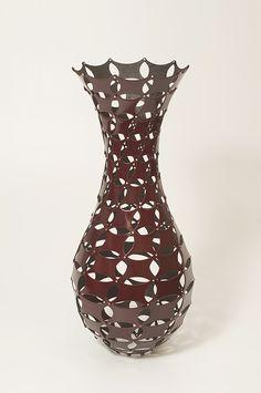七宝紋胎乾漆透器 / Linked ovals structure pot