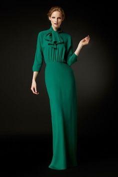 Discover the Collection Ch Carolina Herrera, Look Fashion, High Fashion, Fashion Design, Fashion Trends, Milan Fashion, Modest Fashion, Fashion Dresses, Haute Couture Style