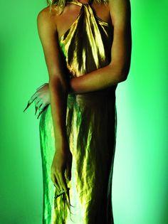"""Lights of Spring""Natalia Vodianova photographed by Mario Testino for V Magazine #59 Spring 2009 Fashion Editor: Beat BolligerHair: OribeMakeup: Linda Cantello #inspiration #blog #blogger #tumblr #fashion #style #models #photography #vogue #instagram http://www.midnight-charm.com/"