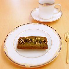 抹茶と小豆のフィナンシェで、おやつ。