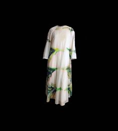 Boho white chiffon tie dye caftan with designer label. David Browns high-end hostess and resort wear was sold at elite boutiques and department stores like Neiman Marcus and Saks Fifth Avenue back in the day. This would make a lovely dress for a beach or hippie wedding either as the bride or a guest. - sheer white chiffon - shades of green with pink and brown tie dye design - jewel neckline with self fabric binding - flared bell shape long sleeves - raglan sleeves - rear zipper - white slip…