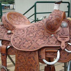 ❦ Wayne Decker Roping Saddles, Horse Saddles, Horse Gear, Horse Tack, Cowboy Gear, Cowboy Boots, Western Tack, Western Saddles, Leather Tooling Patterns