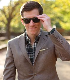 It's a full on flannel fest. Flannel-on-flannel action.  Double tap if you love flannel!  Shirt @blanklabelclothing  Suit @oliverwicks  Shades @warbyparker