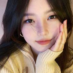 Korean Beauty Girls, Pretty Korean Girls, Cute Korean Girl, Asian Beauty, Asian Girl, Uzzlang Girl, Girl Face, Cute Makeup, Makeup Looks