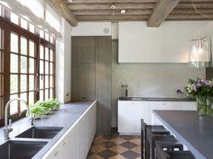 warm & cosy modern kitchen
