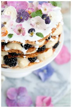 Mille-feuilles with crystallized flowers