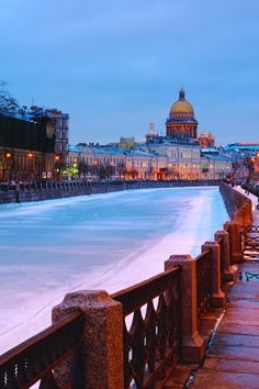 Saint-Petersburg view by Konstantin Voronov - Photo 97965297 - St Pétersbourg Rússie, Places To Travel, Places To See, World Largest Country, St Petersburg Russia, World Pictures, Imperial Russia, City Landscape, Largest Countries