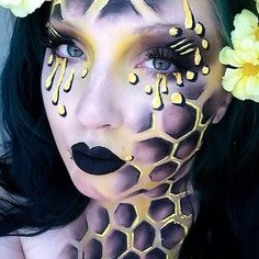 This makeup is based on the things I fear most in this world. BEEEES haha after taking pictures I realize it looks more giraffe like but whatevs. My wonderful husband @lionhanz suggested I do honeycomb and so I did!