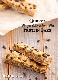 No grinding or baking. No sepa… Copycat Quaker Chewy Chocolate Chip Protein Bars. No grinding or baking. No separate bowls. Just 10 minutes and you have a healthy snack on the go. Healthy Protein Snacks, Protein Bar Recipes, Healthy Bars, Protein Bars, Healthy Treats, Snack Recipes, Healthy Eating, Protein Power, Healthy Breakfasts