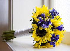 blue flowers and sunflower centerpieces | ... Bouquets | Sunflower Bouquet | Delphinium Bouquet at BunchesDirect