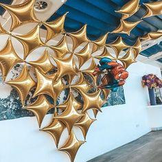 Gold Party Inspiration Bubblegum Balloons