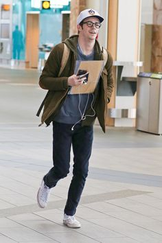 Grant Gustin rocks a casual and comfortable look for traveling.