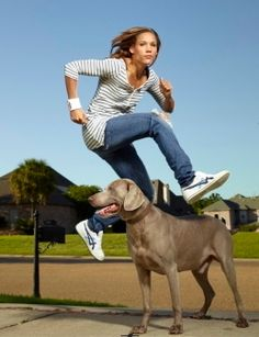 LOLO JONES and Dog PICTURES PHOTOS and IMAGES