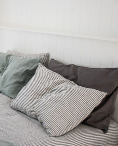 Effortless styling done right with our, All in our Pure French Flax Linen. Cozy Bedroom, Bedroom Inspo, Dream Bedroom, Bedroom Decor, Neutral Bed Linen, Black Bed Linen, Art Deco, Bed Linen Design, Cool Beds