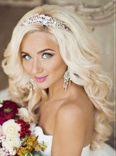 Gorgeous bleach blonde bride❤️