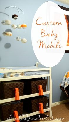 DIY Home Decor Ideas : Illustration Description A great idea for decorating a nursery it to make your own baby mobile. They are often less expensive, match the decor better, and are fun to customiz… Modern Nursery Decor, Nursery Room Decor, Nursery Furniture, Nursery Ideas, Bedroom Ideas, Diy Craft Projects, Diy And Crafts, Creative Crafts, Vintage Home Decor