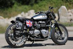 Triumph Thruxton, larga vida al Cafe Racer Triumph Cafe Racer, Triumph Motorcycles, Vintage Motorcycles, Custom Motorcycles, Custom Bikes, Cafe Racers, British Motorcycles, Bobber Custom, Scrambler Custom
