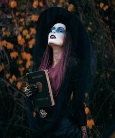 costume-maquillage-Halloween-femmes-idée-sorcière