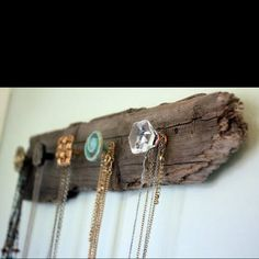 Necklace storage out of wood/drawer pulls