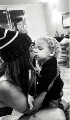 Cute! Daddy And Son, Neymar Jr, Captain Hat, Dreadlocks, Couple Photos, Hair Styles, Instagram, Beauty, Musa