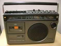 Used be my favorite one Radios, Sony Design, Sony Electronics, Phone Screen Wallpaper, Transistor Radio, Tape Recorder, Hifi Audio, Boombox, Tv Videos