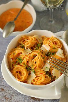 Good Food, Yummy Food, Pasta Recipes, Pasta Salad, Noodles, Main Dishes, Spaghetti, Food And Drink, Vegetarian