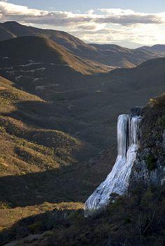 Petrified waterfall rock formation) at Hierve el Agua, Oaxaca, México