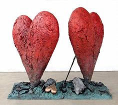 Jim-Dine-Tools-and-Fire-hearts-sculpture.jpg 499×444 pixels