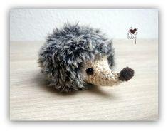 Amigurumi Tutorial, Crochet Patterns Amigurumi, Learn To Crochet, Knit Crochet, Amigurumi Toys, Hedgehog, Free Pattern, Teddy Bear, Knitting