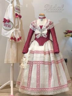 SEMANA FALLERA Victorian Era Dresses, Traditional Fashion, Mode Vintage, Skirt Pants, Historical Clothing, Hijab Fashion, Designer Dresses, Doll Clothes, Kids Fashion