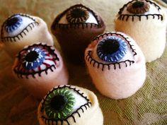 Eyeball Bottlecap Pincushion Tutorial