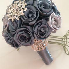 Ramo de boda vintage en hermosas rosas de por SpecialTouchRoses