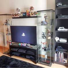 Its Perfect – Ps – Ideas Of Ps Ps Playstation – Its perfect Это иде – … – Contemporary Decor – Centro Computer Desk Setup, Gaming Room Setup, Casa Disney, Geek Room, Video Game Rooms, Video Games, Game Room Design, Room Themes, Contemporary Decor
