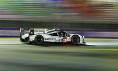 2015 ル・マン24h耐久 総合優勝 Porsche 919 Hybrid #19 予選で1-2-3グリッドを獲得し速さを見せつけたPorscheは決勝でも強かった。 ポディウム独占…とは行かなかったが、アクシデントに泣いたAudi勢とは対照的に終始一貫2015年の主役だった。