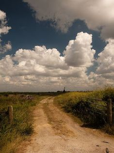 Country road & just look at those clouds. Beautiful Roads, Beautiful Landscapes, Beautiful Places, Landscape Art, Landscape Photography, Nature Photography, Country Life, Country Roads, All Nature