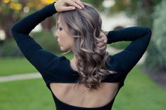 Looking for a gorgeous prom hairstyle you can style yourself? Check out these curly prom hairstyles pictures of updos, hair worn down and half up! Curly Prom Hair, Prom Hair Medium, Medium Hair Styles, Long Hair Styles, Deodorant, Loose Curls, Facon, Hair Pictures, Marie Claire
