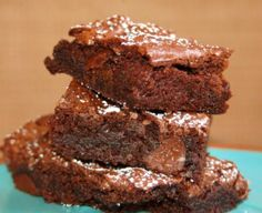 Mom's Easy Kahlua Brownies With Brownie Mix, Oil, Eggs, Kahlua Kaluah Recipes, Kahula Cake, Bailey Brownies, Dairy Free Deserts, Just Desserts, Dessert Recipes, Dessert Ideas, Cake Recipes, Brownie Packaging