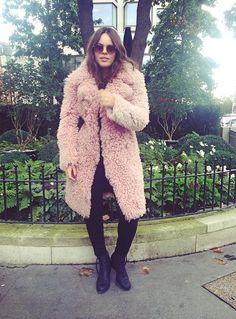 @thebellespot Fur Jacket, Fur Coat, Atlanta De Cadenet Taylor, Fur Accessories, Fashion Stylist, Everyday Look, Designer Wear, Celebrity Photos, Fox