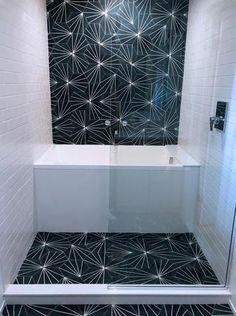 encaustic hexagon cement tile - linear pattern - radar from Cle tile Bathroom Renos, White Bathroom, Bathroom Flooring, Bathroom Renovations, Bathroom Furniture, Modern Bathroom, Small Bathroom, Master Bathroom, Bathroom Canvas