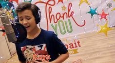 juan karlos labajo Espanto, Love Rose, Christmas Carol, Abs, Songs, Women, Crunches, Christmas Music, Abdominal Muscles